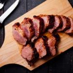 Fleisch Filet auf Brett
